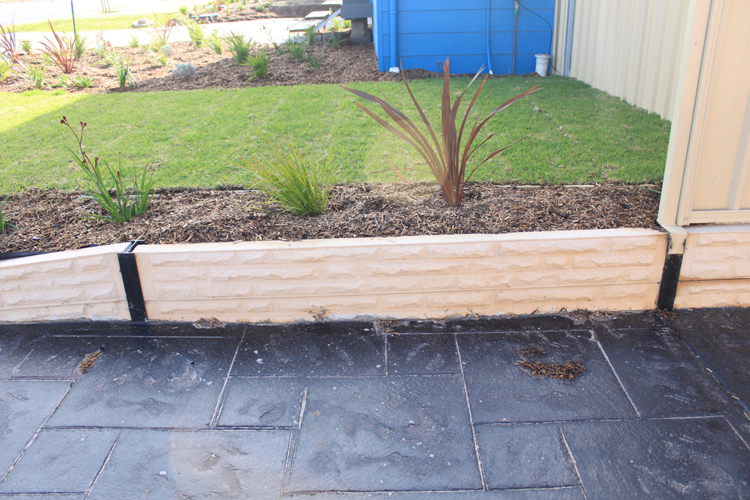 Creative sleepers concrete sleepers retaining walls for Retaining walls adelaide